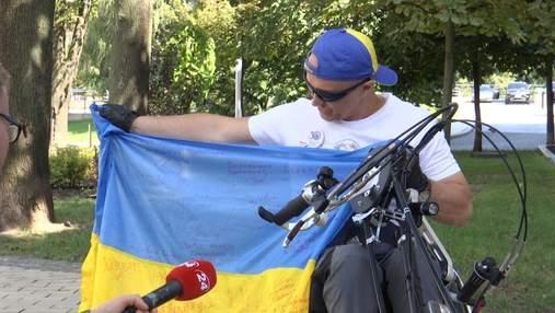 Ветеран АТО здійснив величезний пробіг Україною на хендбайку: яскраві фото, відео