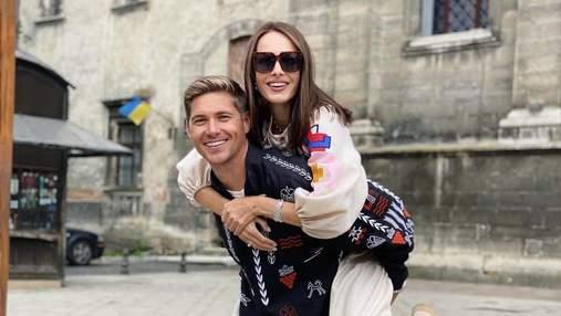 Владимир Остапчук и Кристина Горняк прогулялись по Львову в вышиванках: эффектные фото