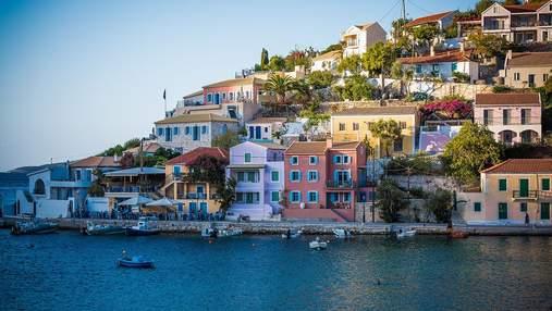 Вход в общественные места без COVID-сертификата запрещен: в Греции ввели новые правила