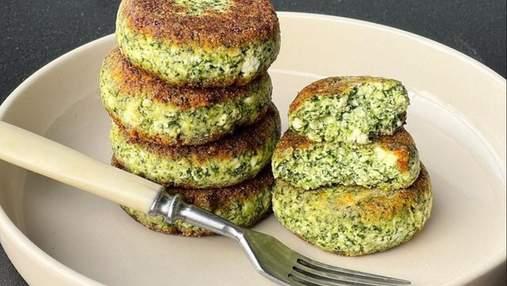 Ідеальний сніданок: солоні сирники зі шпинатом та петрушкою за рецептом шеф-кухаря