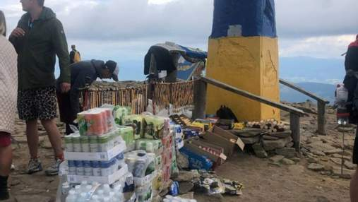 """""""Торговая точка"""" на высоте 2 061 метра: на Говерле продают воду за 100 гривен"""