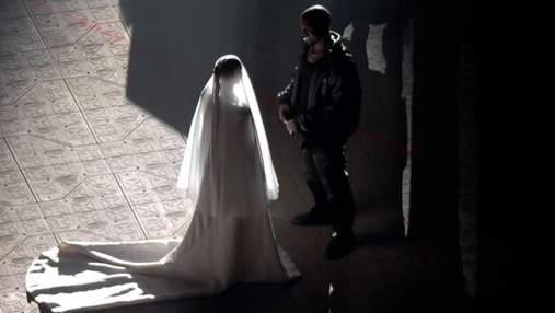 Кім Кардашян вдруге одягнула весільну сукню для Каньє Веста: що це означає