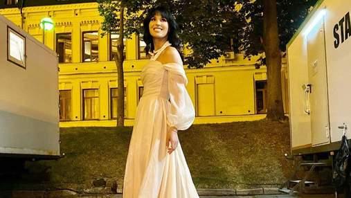 Маша Єфросиніна замилувала ніжним образом у кремовій сукні Milla Nova: бездоганне фото