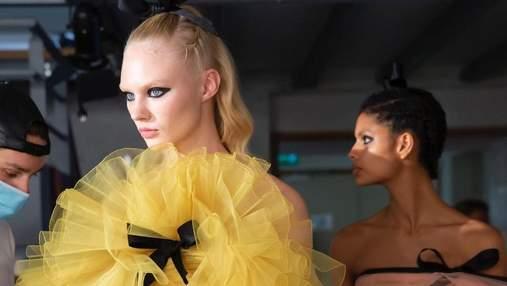 Диктуют модные бренды: 5 главных трендов осени 2021 в макияже