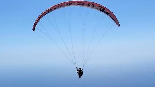 Даша Астафьева полетала на параплане над морем: сказочные фото и видео