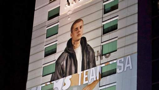Джастин Бибер стал моделью женского нижнего белья благодаря рекламному билборду: смешное фото