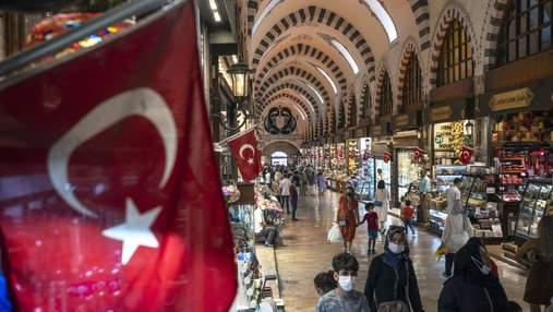 Чи стосуватимуться туристів нові карантинні обмеження в Туреччині: офіційні дані