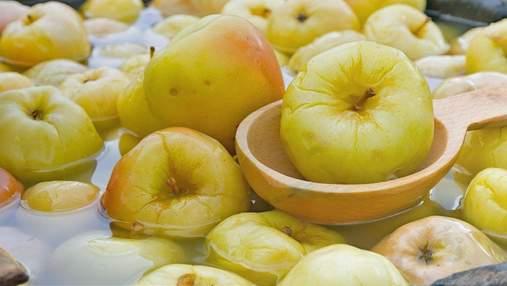 Мочені яблука на зиму: рецепт хрусткої закуски на щодень
