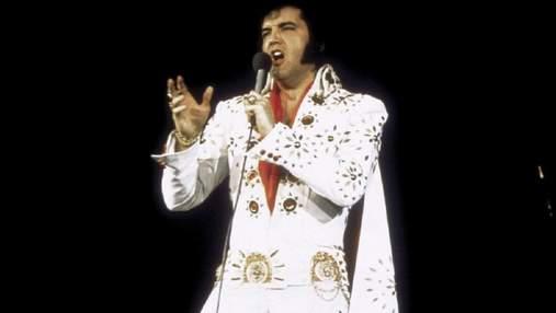 Знаменитий білий комбінезон зі стразами Елвіса Преслі продали на аукціоні за неймовірну суму
