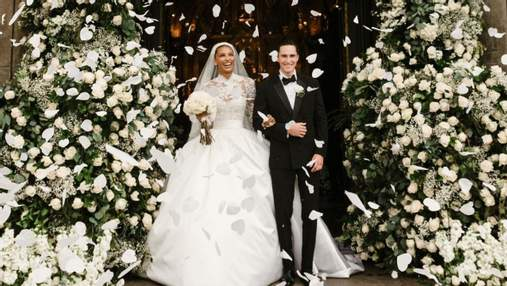 Модель Victoria's Secret Жасмін Тукс вийшла заміж: помпезні фото з весілля