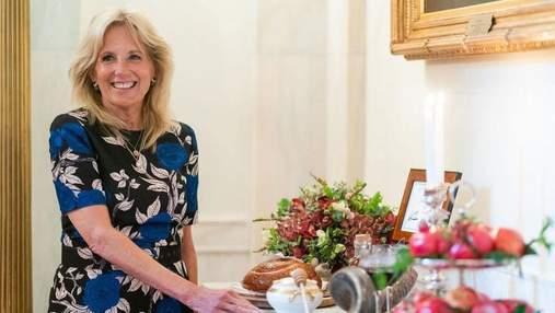 Джилл Байден підкорила образом у квітковій сукні: фото з Білого дому
