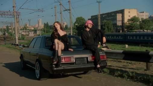 """Гурт KALUSH заспівав з Христиною Соловій: проникливий кліп на пісню """"Таксі"""""""