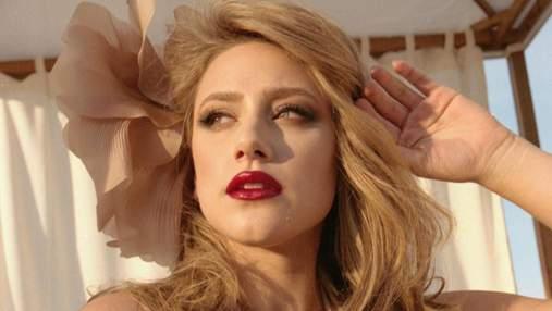 Найкрасивіші б'юті-образи Лілі Рейнгарт, які підкреслюють природну сексуальність: добірка