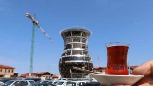"""Столиця """"чаю"""" отримає свій символ: у провінції Туреччини будують 29-метрову склянку – бардак"""