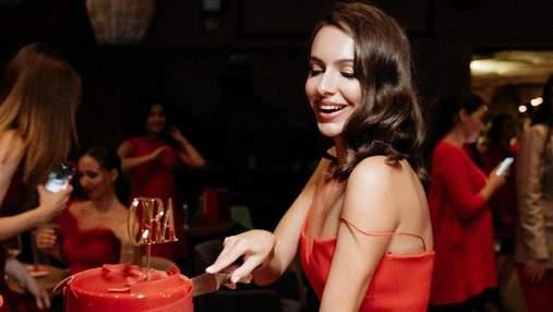 Жена Владимира Остапчук устроила вечеринку в фешенебельном заведении Киева: яркие фото