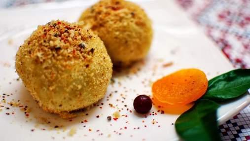 Забута українська страва – гомбовці: давній рецепт десерту з домашнього сиру та слив