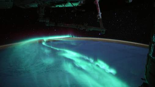 """""""Рассвет юга"""" глазами астронавта: космически красивые снимки северного сияния"""