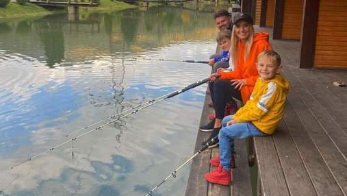 Ирина Федишин показала, как провела выходной с мужем и сыновьями: яркие фото