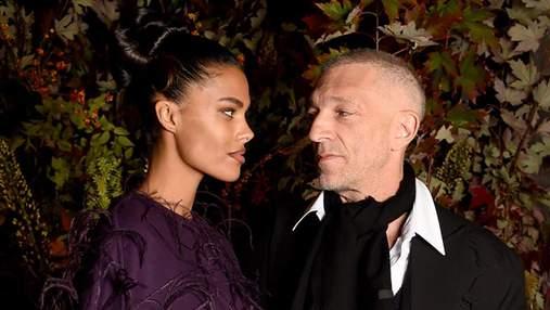 Найкрасивіша пара Парижу: Тіна Кунакі та Венсан Кассель зачарували спільним виходом