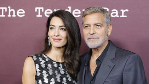 Джордж и Амаль Клуни впервые за 2 года вышли на публику: такие же влюбленные и красивые
