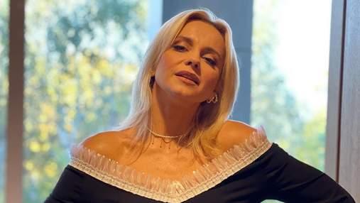 Лілія Ребрик з'явилась в ефектній сукні з декольте: фото образу