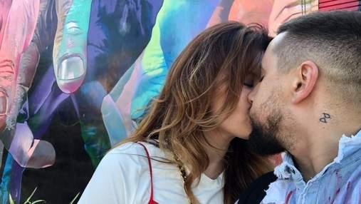 Жена Монатика показала фото их поцелуя, но все подумали, что на нем Дорофеева