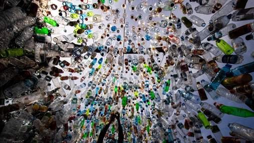 Глобальна криза: в Індонезії із зібраного пластику побудували музей – красномовні фото