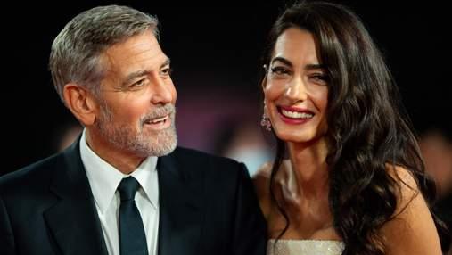 Снова вместе: роскошные Джордж и Амаль Клуни появились на кинопремьере в Лондоне