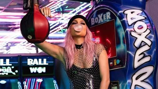 Дженніфер Лопес із рожевим волоссям: зірка вразила сексуальним образом bubblegum-pink – фото
