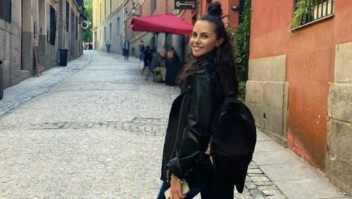 Настя Каменских без макияжа гуляла в Испании: фото повседневного образа