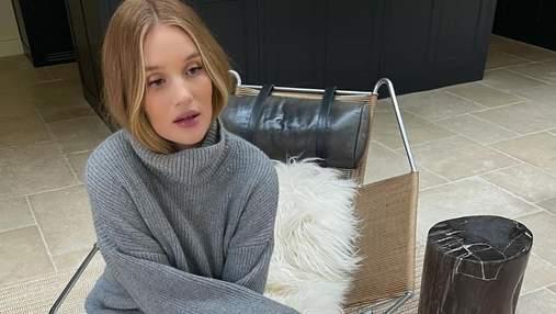 Серый свитер – модный элемент осеннего гардероба: стильный образ Рози Хантингтон-Уайтли