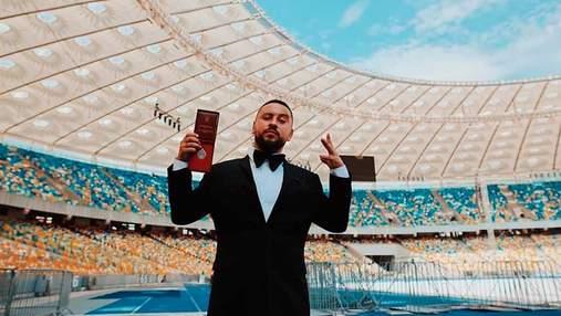 Монатик признался, что друзья насмехались над его званием заслуженного артиста Украины