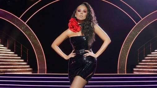 """Настя Каменських одягнула чорну мінісукню на """"Танці з зірками"""": ефектні фото образу"""