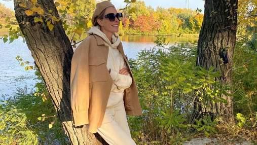 Катя Осадчая показала осенние фото без макияжа: яркие кадры