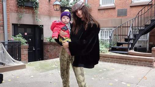 Емілі Ратажковскі показала обличчя підрослого сина: миловидні фото