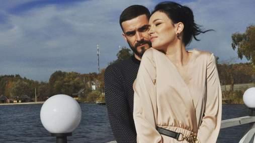 Анастасия Приходько показала чувственное фото с мужем по особому случаю