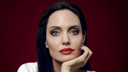 Анджелина Джоли совместно с BBC создаст курс по медиаграмотности