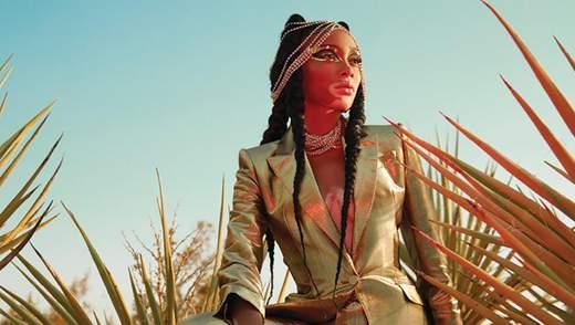Моя кожа – мое дело: яркая и футуристическая Винни Харлоу снялась для обложки журнала FASHION