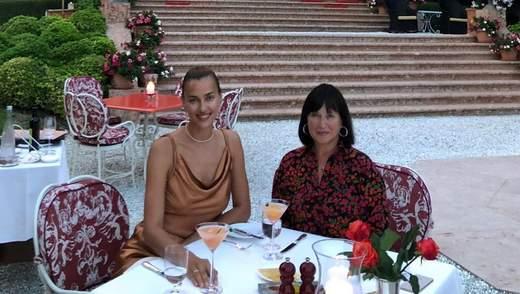 Ірина Шейк поділилась рідкісними фото з мамою: один з кадрів обурив мережу