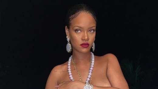 Рианна показала большую обнаженную грудь: дерзкое фото топлес 18+